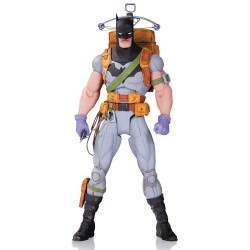 Figura Batman Survival Gear. Designer Series Greg Capullo