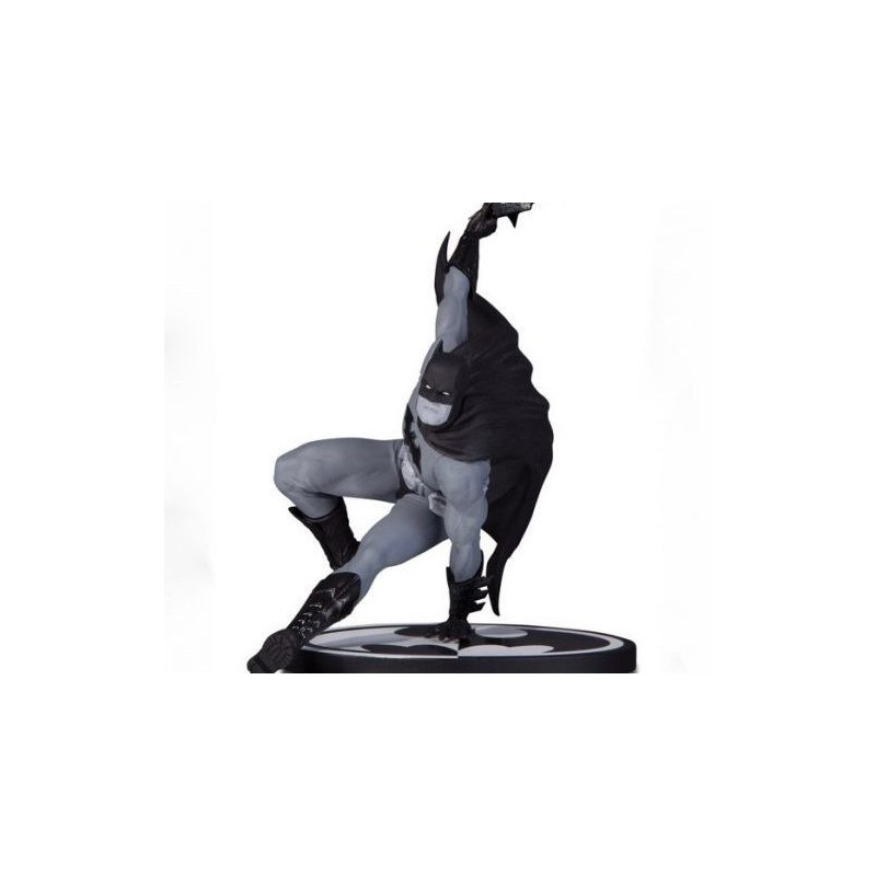 Figura Batman Black & White Bryan Hitch DC Collectibles Estatua
