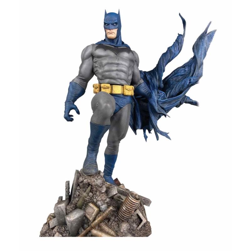 Estatua Batman Defiant DC Comic Gallery