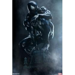 Spiderman Traje Negro Simbionte Premium Format Sideshow