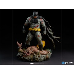 Batman The Dark Knight Returns Diorama Escala 1/6 Iron Studios