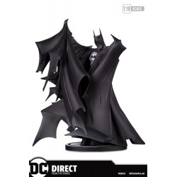 Estatua Batman Black & White Todd McFarlane 2.0 DC Direct