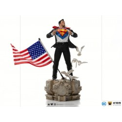 Superman Clark Kent Deluxe Art Scale 1/10 Iron Studios